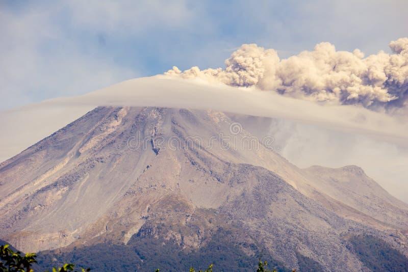 Volcan de开火de科利马州 免版税库存照片