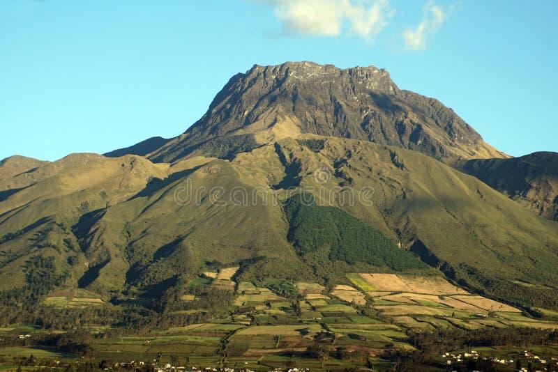 Volcan en Equateur image stock