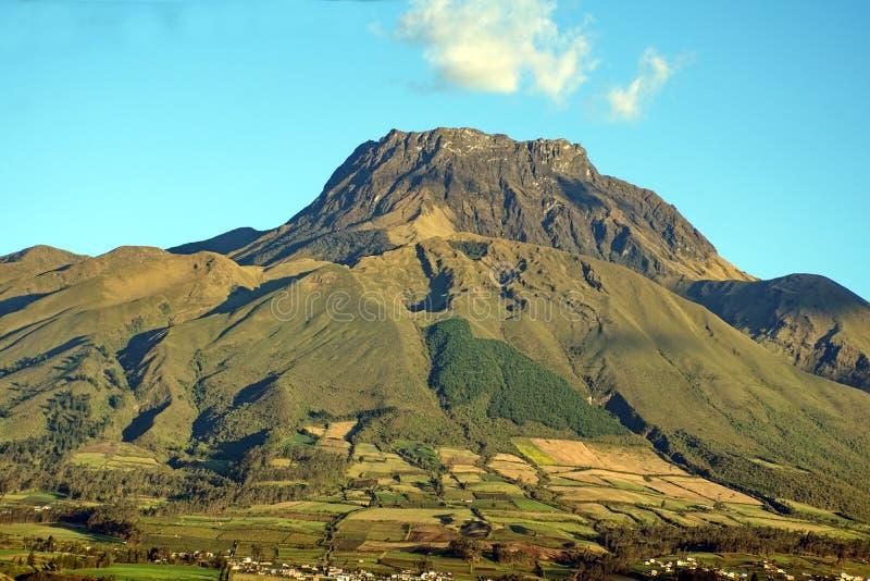 Volcan en Equateur photo libre de droits