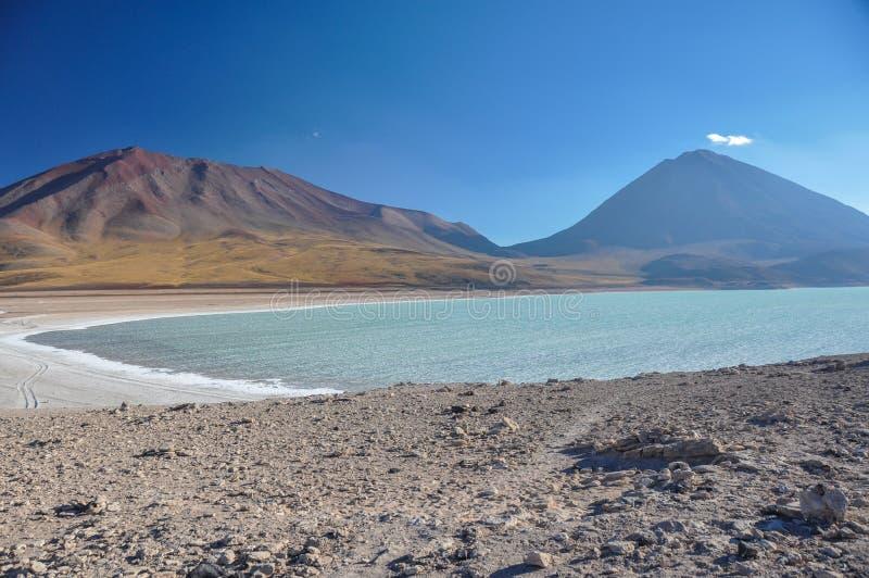 Volcan Licancabur с шикарными ландшафтами Sur Lipez, южного b стоковое изображение rf