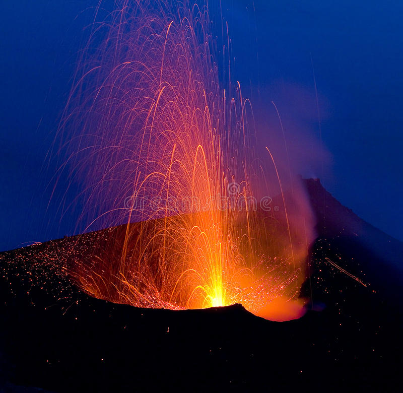 Volcanic eruption, Stromboli royalty free stock photos