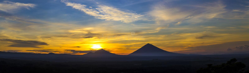 Volcano Agung royaltyfria foton