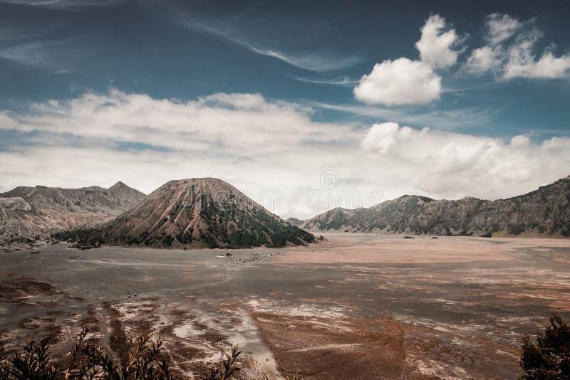 Volcano Bromo och vulkan Batok royaltyfri bild