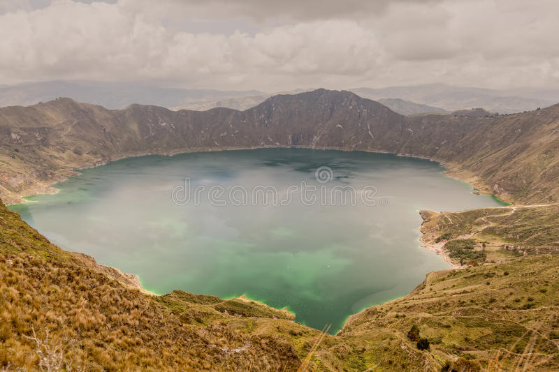 Volcano Crater Lake Panorama, Quilotoa, Equateur images stock
