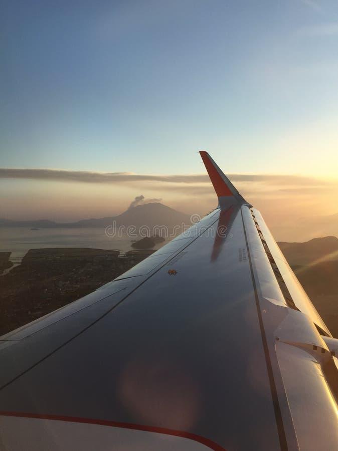 Volcano Eruption View van Vliegtuig royalty-vrije stock foto's