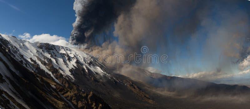 Volcano Etna-uitbarsting stock foto