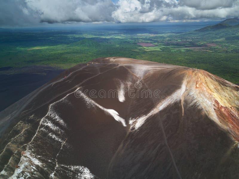 Volcanoboarding in Nicaragua royalty-vrije stock foto's