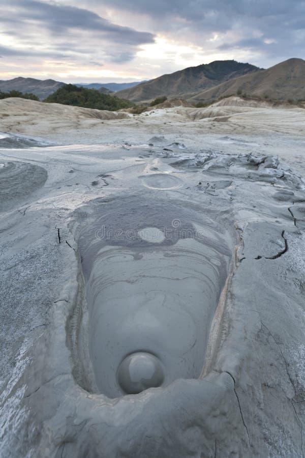 Volcans de boue dans Buzau, Roumanie photo libre de droits