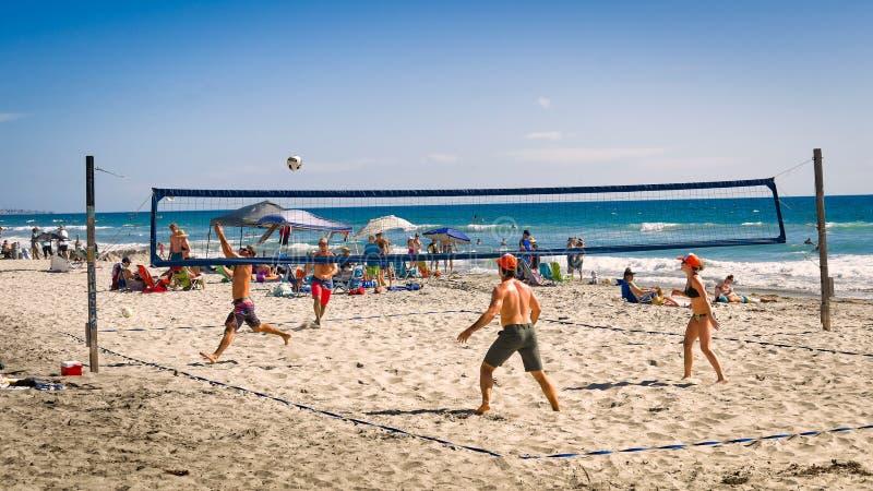 Voleibol de praia, Del Mar California foto de stock