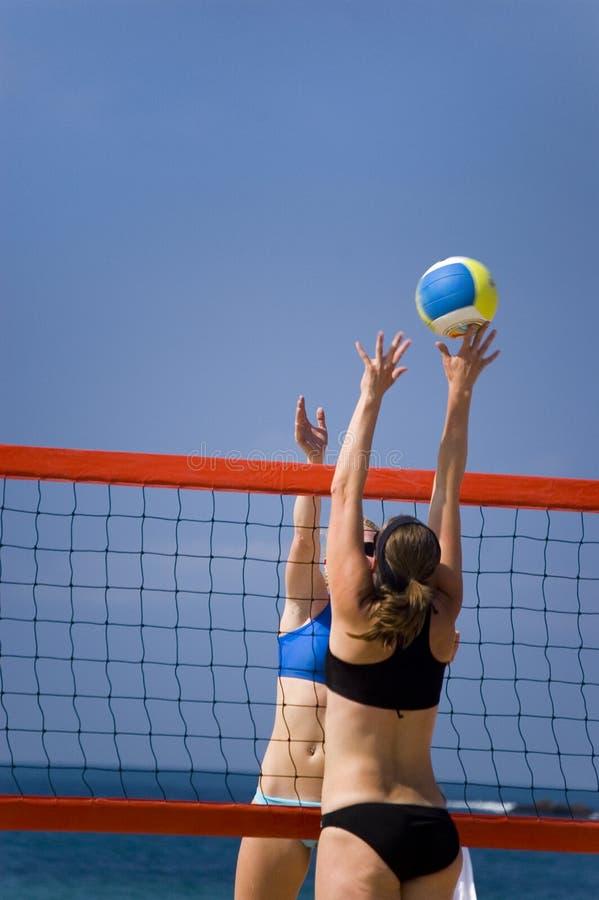 Voleibol en playa fotografía de archivo