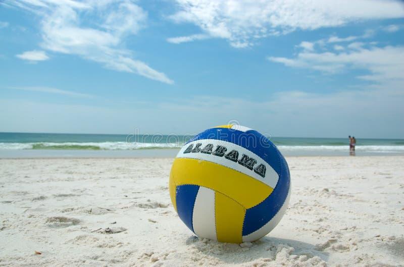 Voleibol na praia em Alabama imagens de stock