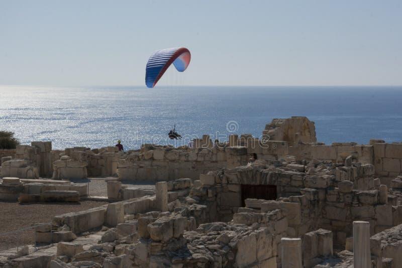Voler au-dessus des ruines image libre de droits