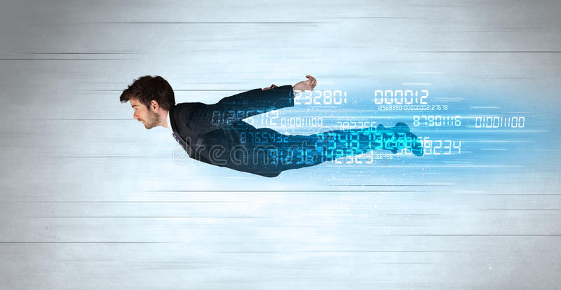Voler d'homme d'affaires superbe rapidement avec des données numérote à gauche derrière photo libre de droits