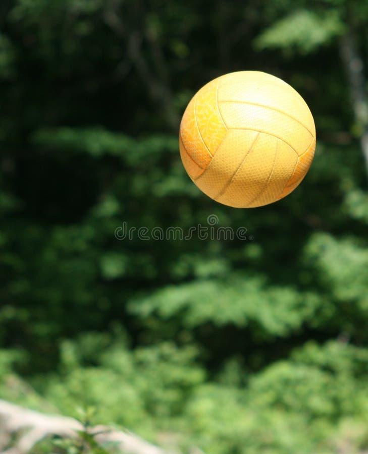 voleyball för orange för strand för luftboll arkivfoto