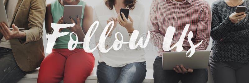 Volg ons die Sociaal Media Voorzien van een netwerk Internet Online Concep delen stock fotografie