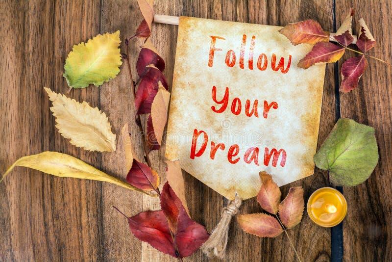Volg uw droomtekst met de herfstthema royalty-vrije stock fotografie