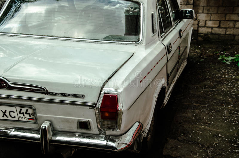 Volga - coche retro imagen de archivo libre de regalías