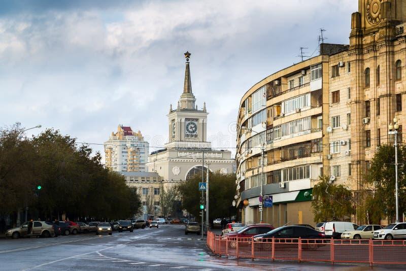 Volgograd Rosja, Listopad, - 04 2016 Widok stacja kolejowa od strony Gogol ulica zdjęcia royalty free