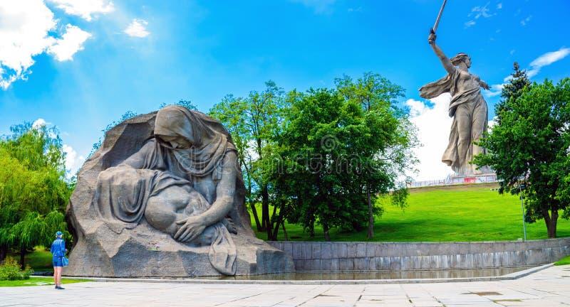 VOLGOGRAD, ROSJA - 26 2019 MAJ: Rozpaczać Macierzystego zabytek na Mamayev Kurgan fotografia stock