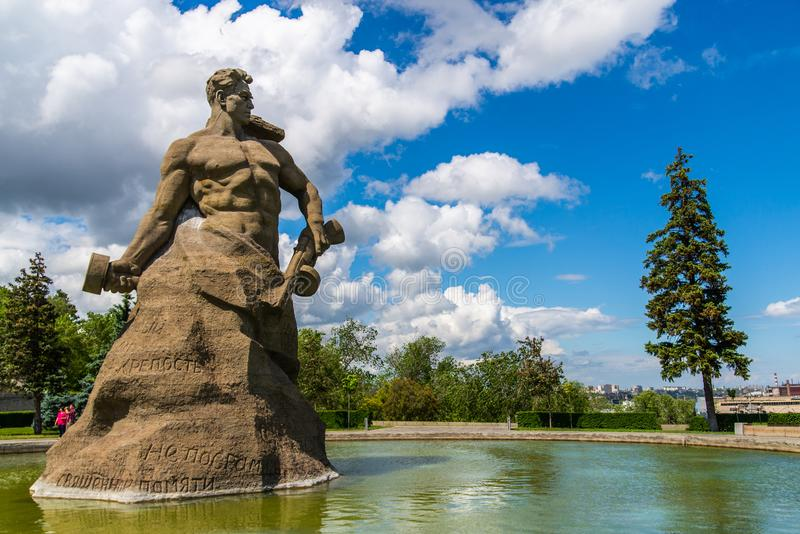 VOLGOGRAD, ROSJA - 26 2019 MAJ: Stojak Śmiertelny zabytek na Mamayev Kurgan obrazy stock