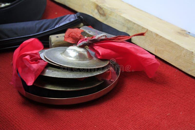 Volks muzikale instrumenten -- klankbekkens stock fotografie
