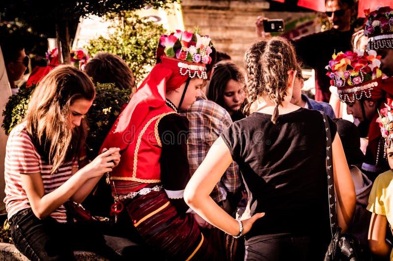 Volksdansers op Nationale Soevereiniteit en Kinderen` s Dag - Turkije royalty-vrije stock fotografie