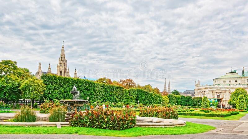 Volksgarten ou jardin de personnes de palais Vienne de Hofburg images libres de droits