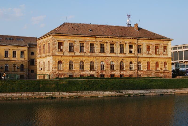 Volksschule Zrenjanin (Serbien) stockbilder
