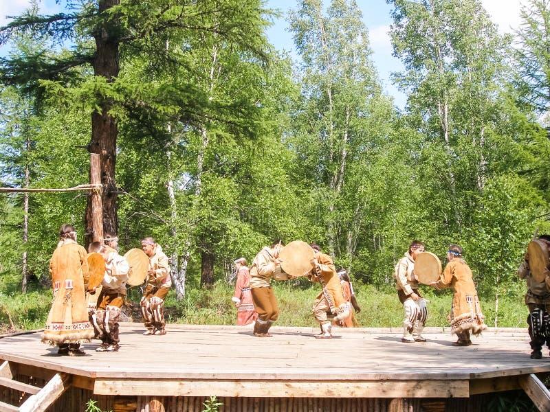 Volkstänze der eingeborenen Völker von Kamchatka stockfoto