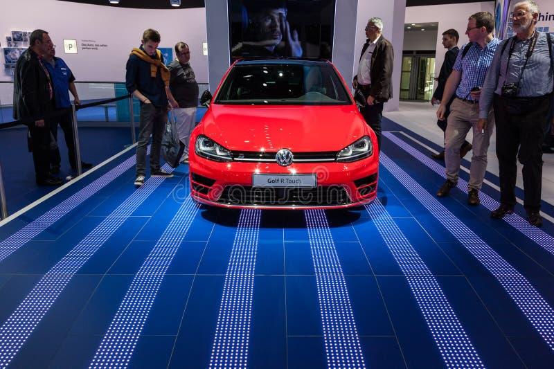 Volkswagen Golf-Aanraking bij IAA 2015 royalty-vrije stock fotografie