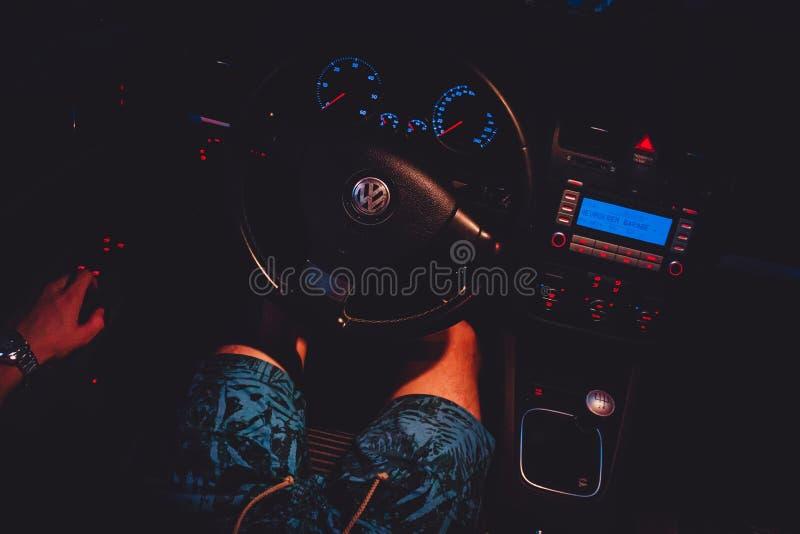 Volkswagen Golf Mk5 inre royaltyfria bilder