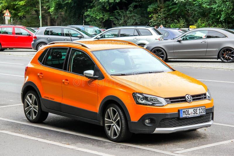 Volkswagen-Kreuz-Polo lizenzfreie stockfotos