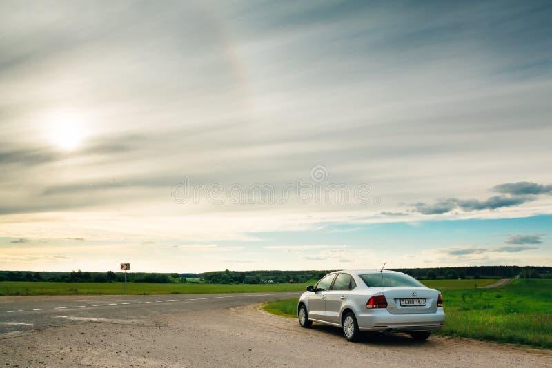 Volkswagen Polo bil utomhus royaltyfri fotografi