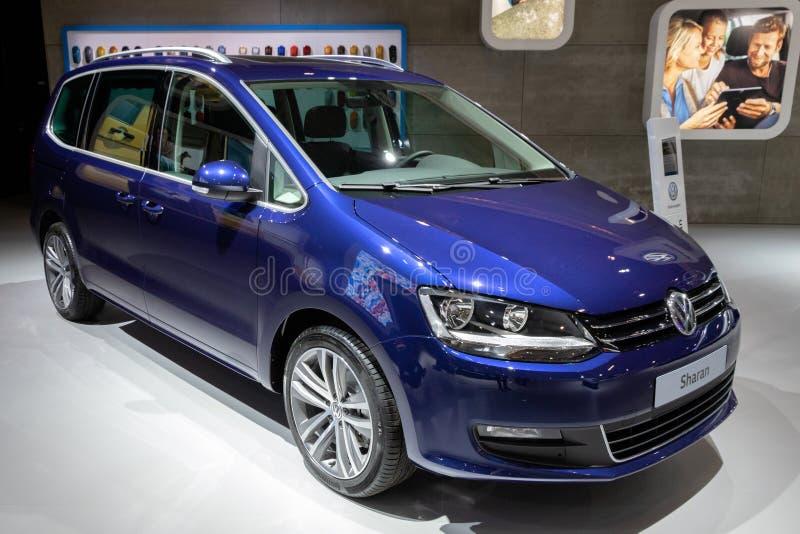 Volkswagen Sharan-auto stock afbeeldingen