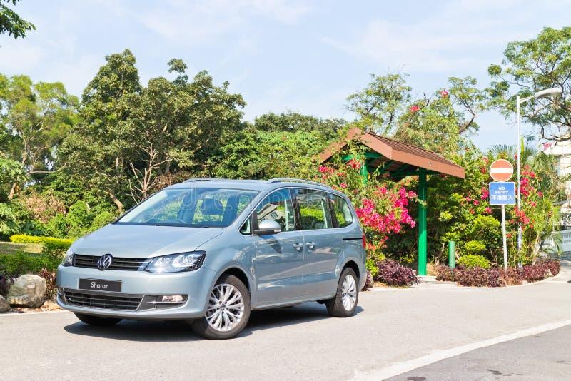 Volkswagen Sharan 2013 MPV imagen de archivo libre de regalías