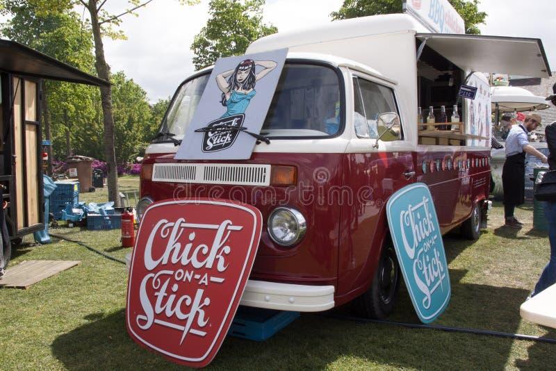 Volkswagen-T2 foodtruck in Amsterdam stock foto's