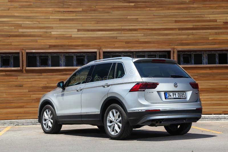 Volkswagen Tiguan royaltyfria foton