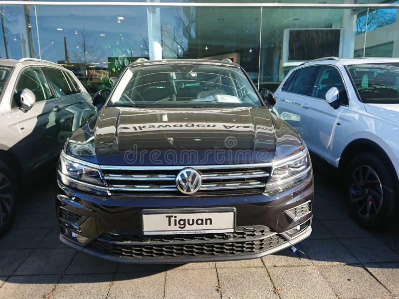 Volkswagen Tiguan bil royaltyfri bild