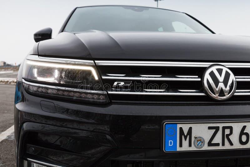 Volkswagen Tiguan, 4x4 r-Lijn, close-up royalty-vrije stock afbeeldingen