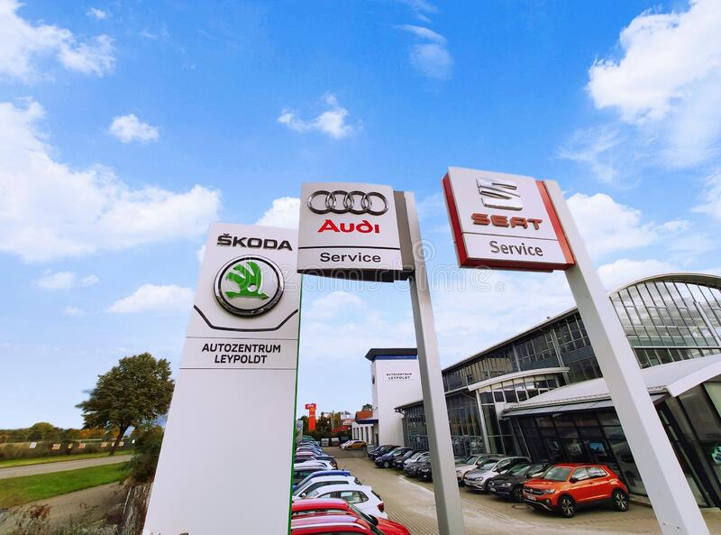 Volkswagen VW-Gruppe: Audi, Skoda, Autoverkäufer/Werkstatt lizenzfreie stockfotos
