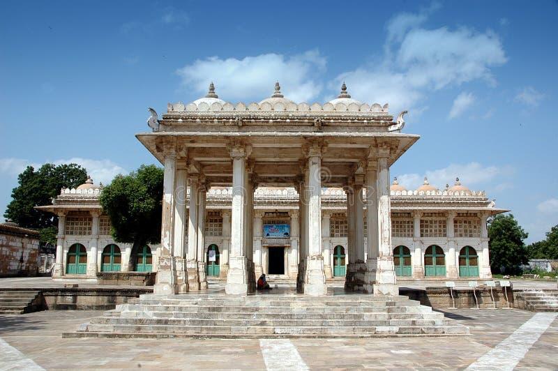 Voll - Ansicht von Sarkhej Roja, Ahmedabad, Indien lizenzfreies stockfoto