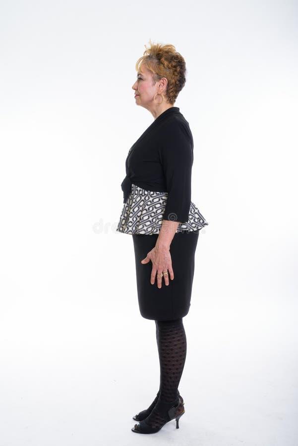 Volle Körperschuss-Profilansicht älteren asiatischen Geschäftsfrau standi lizenzfreies stockfoto