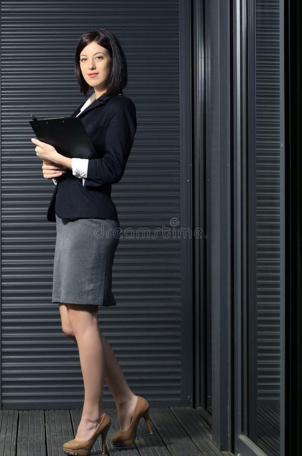 Volle Karosserie der Unternehmensfrau stockfotos