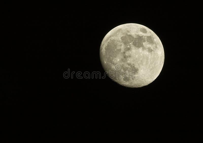 Volle maan bij nacht