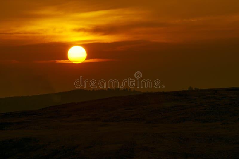 Volle Sonnenunterganglandschaft lizenzfreie stockbilder