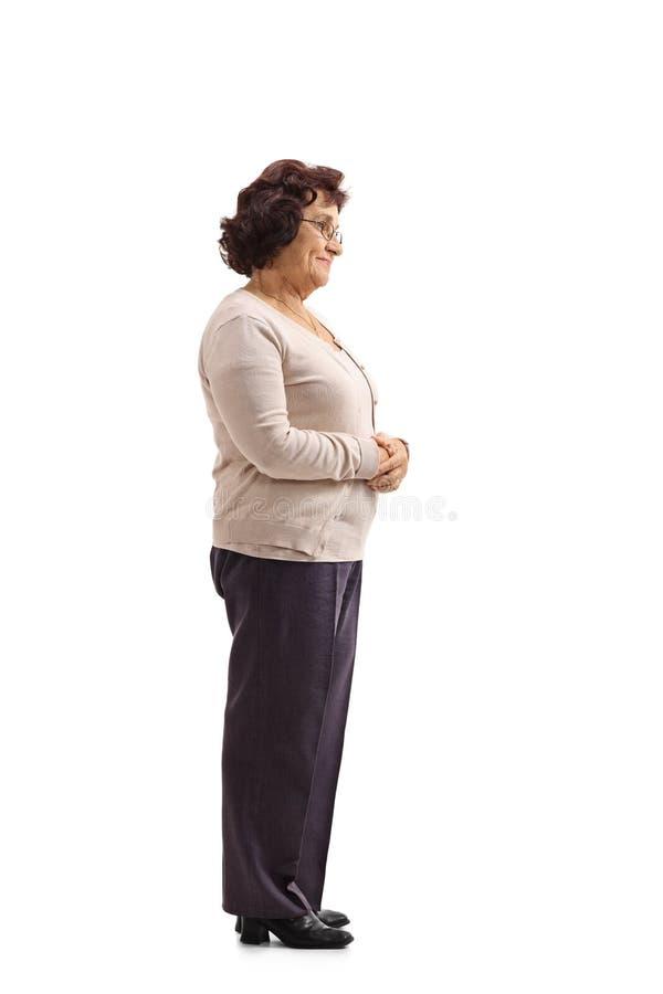Volledig die lengteprofiel van een rijpe vrouw wordt geschoten royalty-vrije stock foto