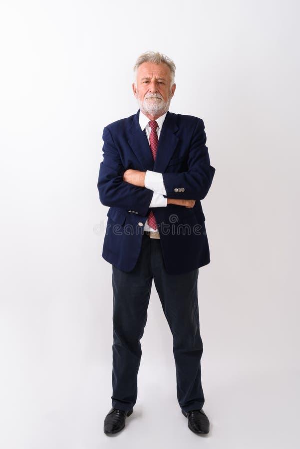 Volledig die lichaam van knappe hogere gebaarde zakenman wordt die w bevinden geschoten zich royalty-vrije stock foto