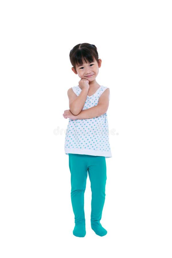 Volledig en lichaam die van Aziatisch meisje denken glimlachen Geïsoleerd op wit stock afbeeldingen