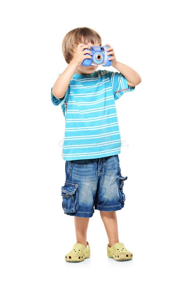 Volledig lengteportret van een kleine jongen royalty-vrije stock fotografie