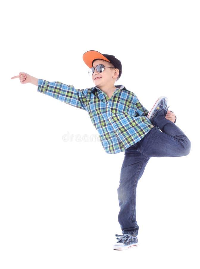 Volledig lengteportret van het glimlachen van weinig jongen in jeans stock fotografie